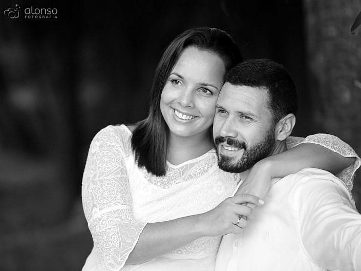 Ensaio casal em preto e branco