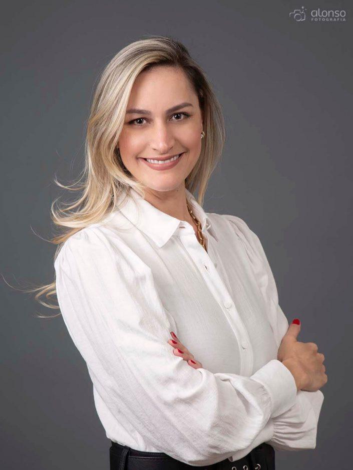 Foto perfil profissional advogada em Florianópolis