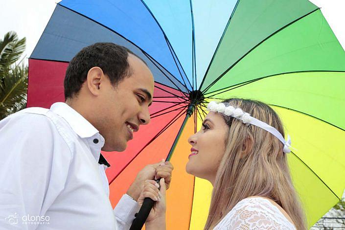 Ensaio casal guarda chuva