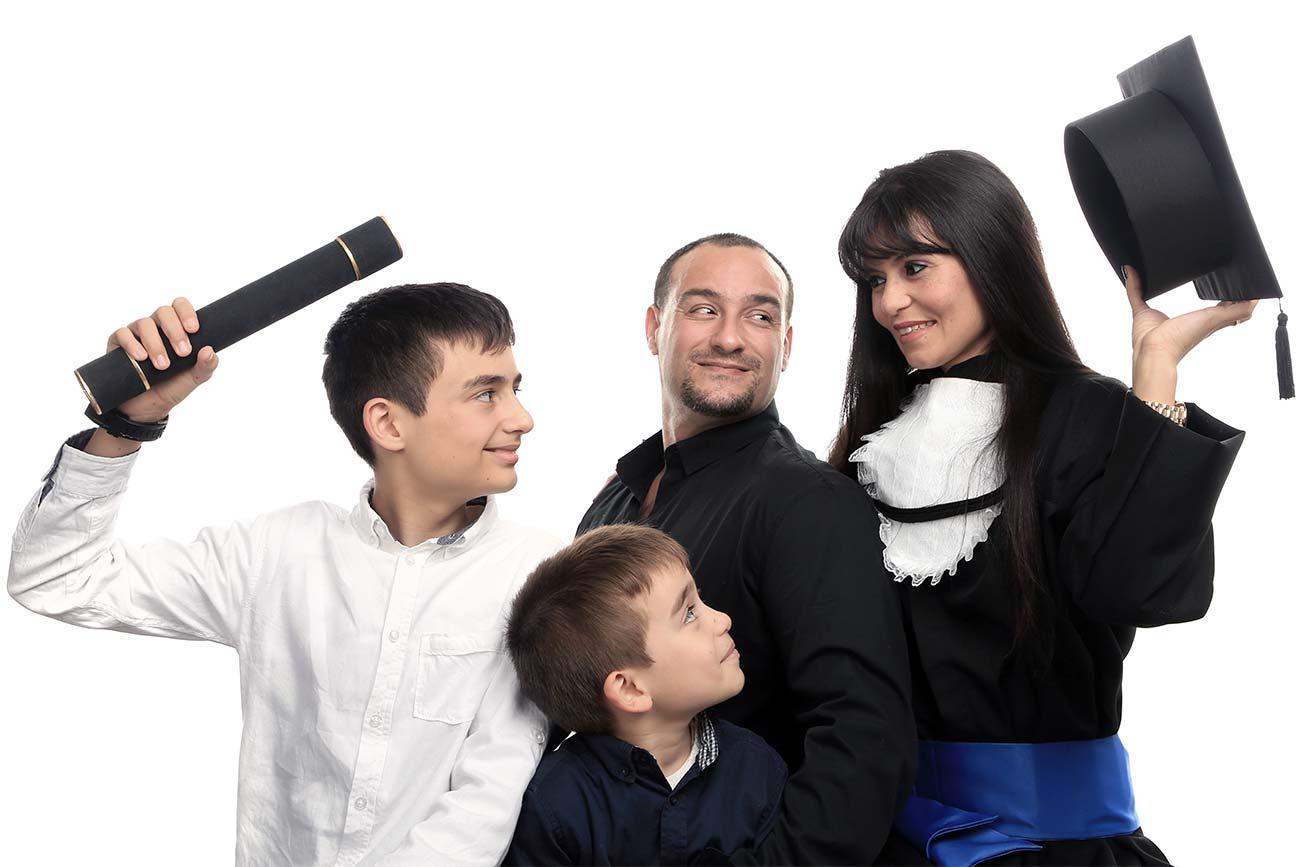 Ensaio de formatura em estúdio com família