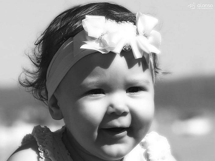 Ensaio bebê em preto e branco